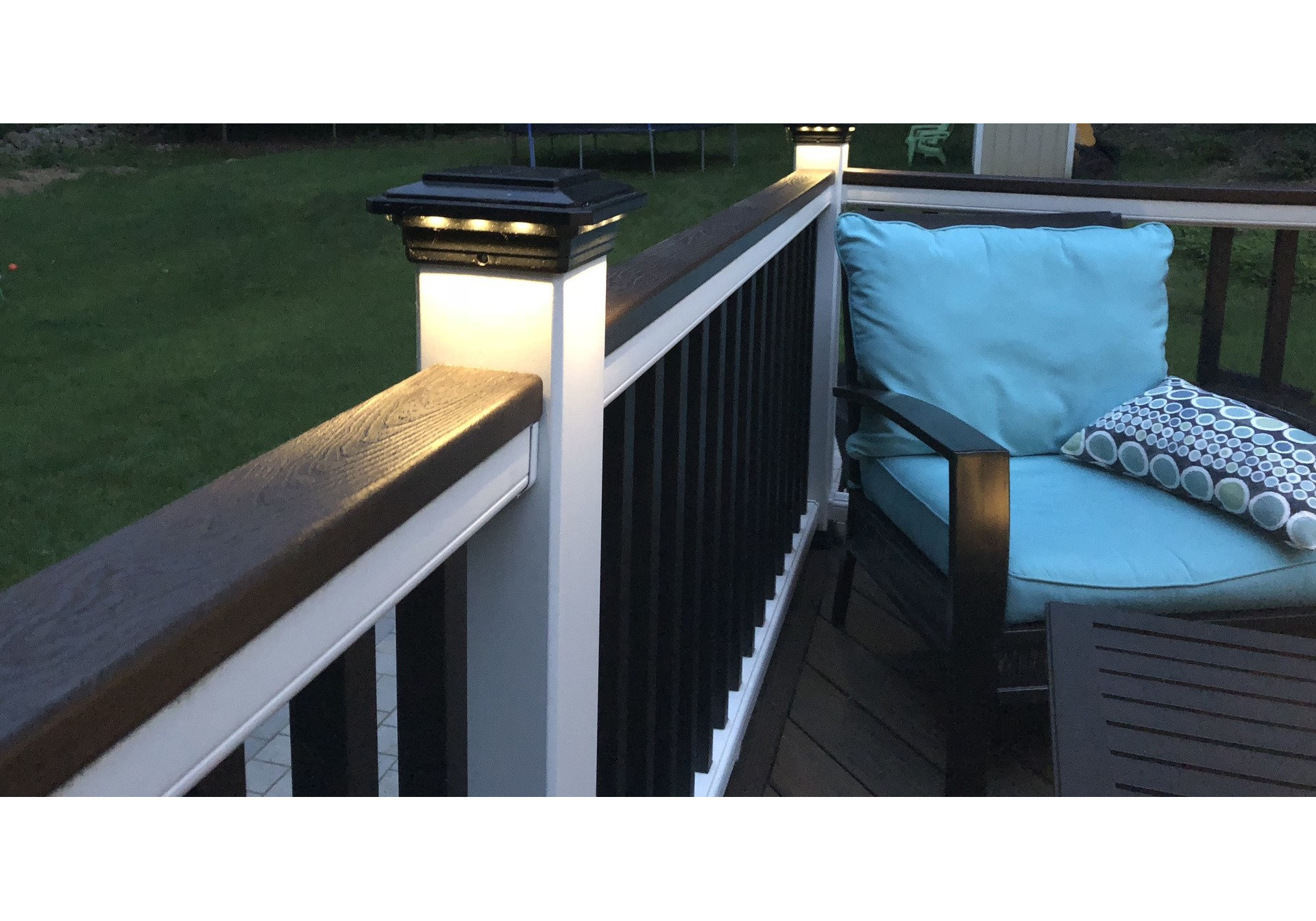 4 1 2 In X 4 1 2 In Solar Post Cap Light For Trex Gravel Path 3 Led Colors Buy Online For 89 95 At Ultrabrighttech